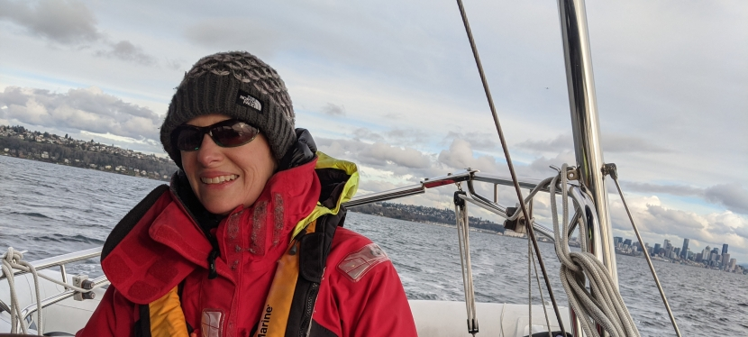 How to stay warm when sailing in the cold